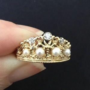 Custom Vintage Crown & Lace Ring